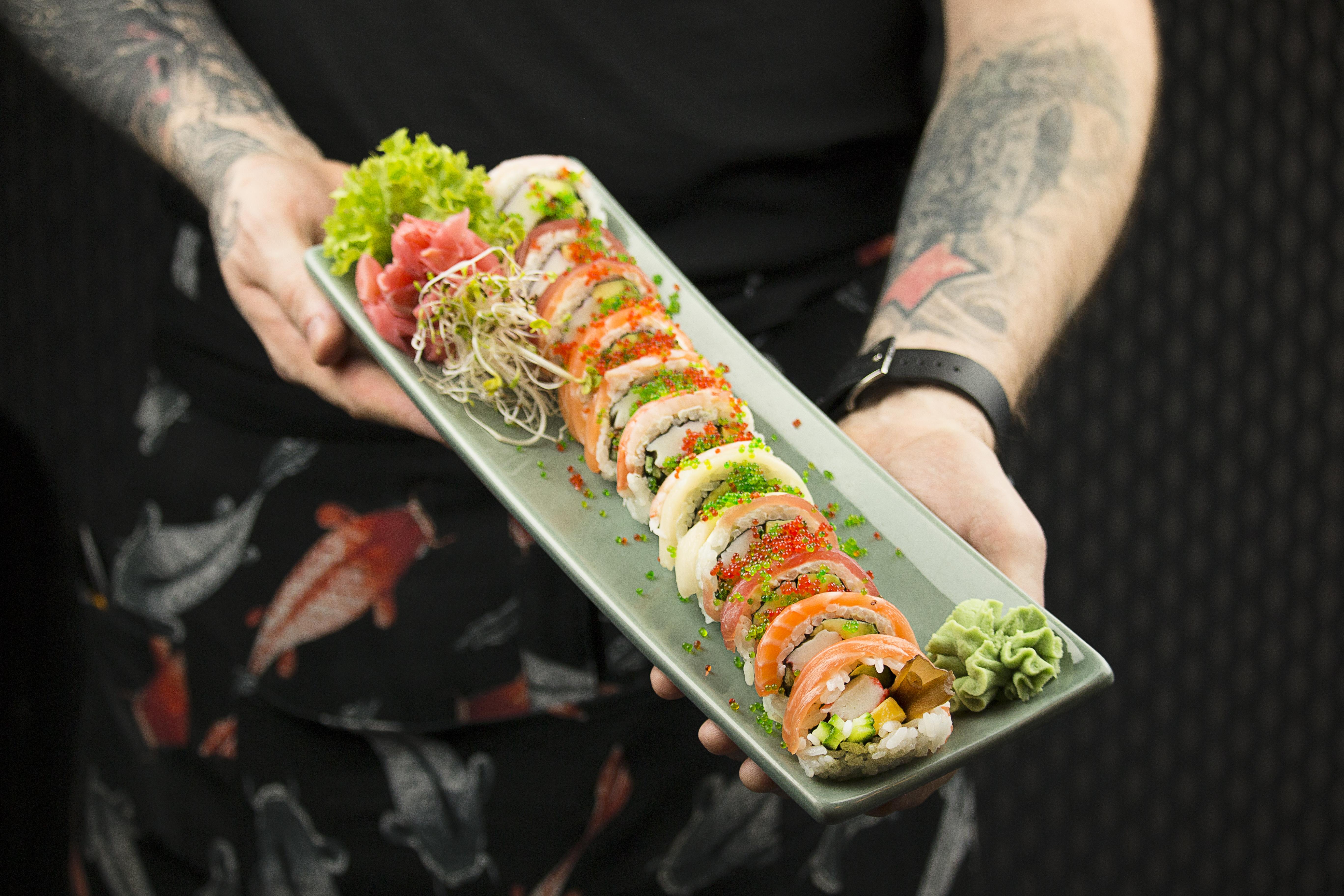 Sushi z dostawą w Azia Restaurants - Royal Wilanów!